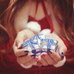 彼氏へのプレゼントにネックレスを贈る時の選び方とおすすめのブランド15選♡