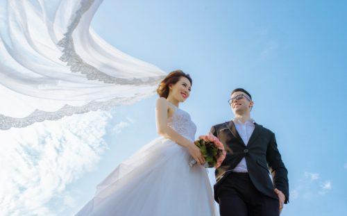 結婚式の受付を誰に頼むか悩んでいる花嫁さん必見、お願いする相手6選♡