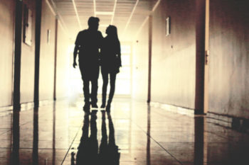 浮気を告白されたらどうすればいい?浮気を告白する彼氏の心理と理由を紹介
