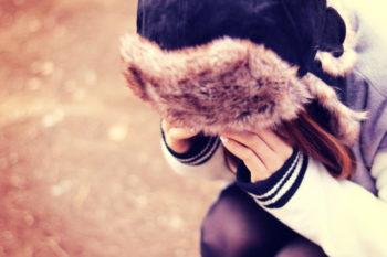 失恋が辛いと感じる理由や、立ち直るための方法、おすすめの失恋ソング15選♡