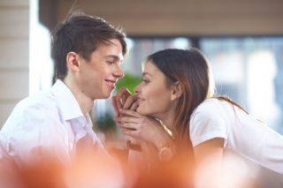 匂いフェチの女性が好きな匂いと、おすすめの柔軟剤やシャンプー13選♡