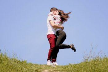 実は彼氏の愛情表現な行動や言葉と、それが減った時の対処法15選♡