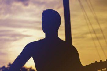 シャイな男性の特徴や恋愛観と脈ありのサイン15選♡