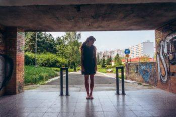 気持ち悪い女性の特徴と、モテるようになるための方法14選