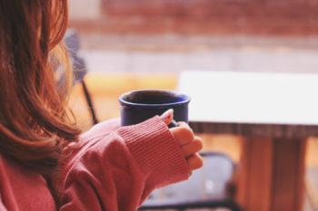 孤独感が強い人の特徴や心理と、それを解消・克服する方法16選♡