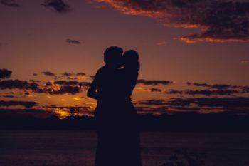 付き合いたてのキスをしてこない彼氏の心理や誘い方と、おすすめの場所17選♡