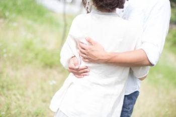 抱きしめる心理や理由15選|彼氏や同性などパターン別に紹介♡