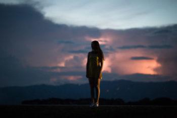 ひとりぼっちで寂しい時の対処法と、おすすめの出会いスポット16選♡