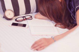 なんとなく寂しい気持ちは解決できる!原因と対処法14選♡