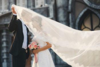 実はウェディングドレスは中古でOK!そのメリットや選び方、探し方11選♡